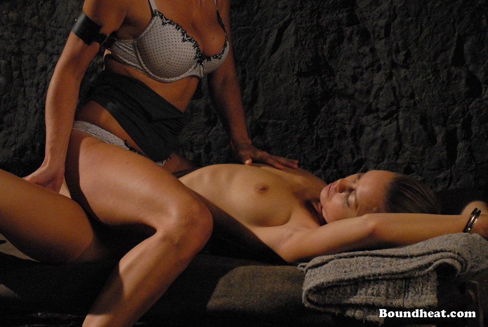 Seduced by a beautiful and sweet cougar k amp k - 1 6